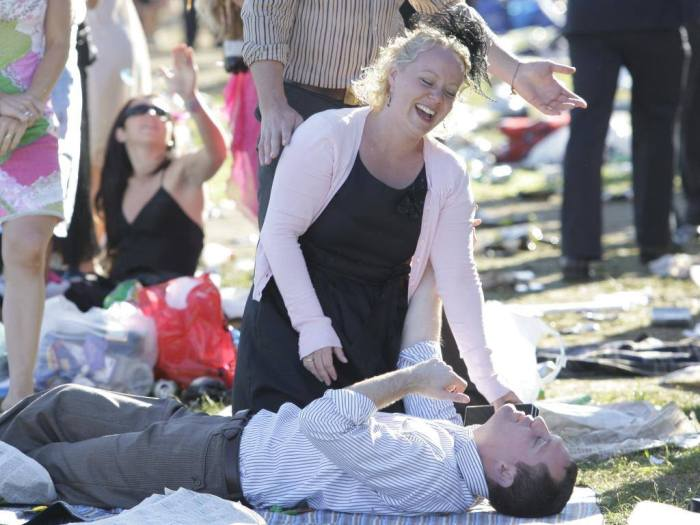 Попойка на скачках Мельбурнского Кубка