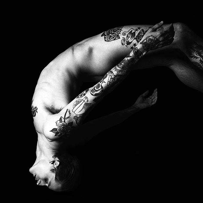 Татуировка как украшение мужского тела в мире моды