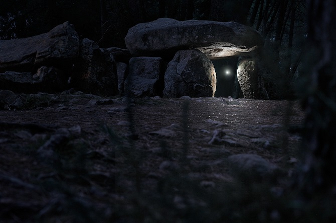 Погоня за блуждающим огоньком среди ночных пейзажей Бретани