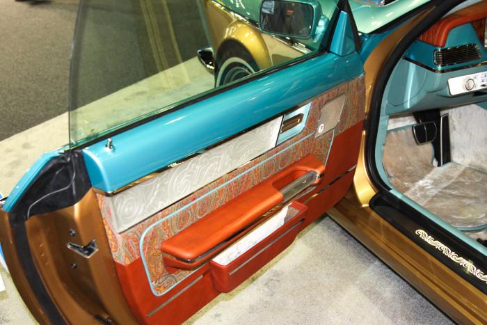 Российский автомобиль Bilenkin Vintage представили на автосалоне в Дубае