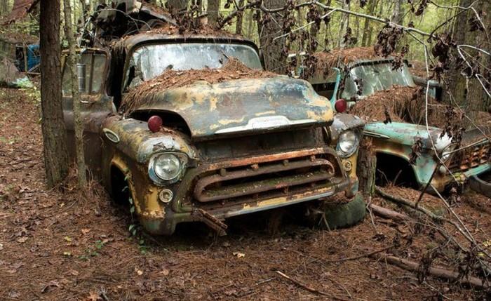 Самое старое в мире кладбище автомобилей