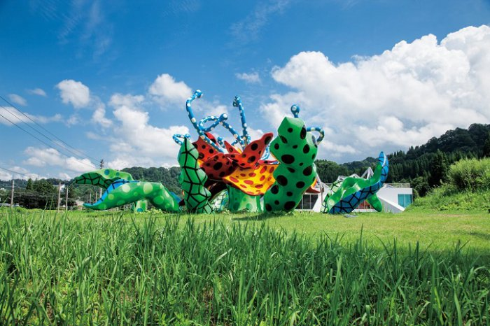Яркие арт-инсталляции Echigo-Tsumaria Art Triennale