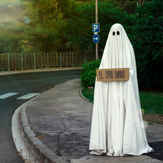 Мистер Бу – добрый призрак и пользователь Инстаграма