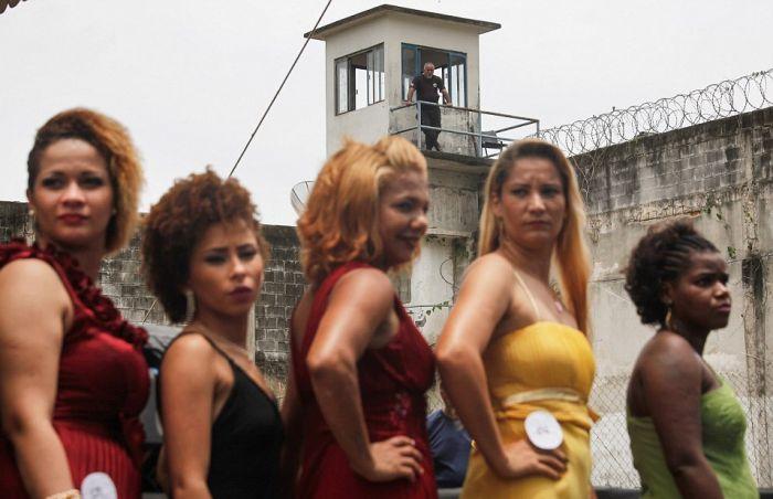 Конкурс красоты Miss Criminal 2015 в бразильской женской тюрьме строгого режима