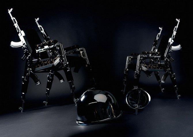 Кресло из автоматов АК47 от Rainer Weber