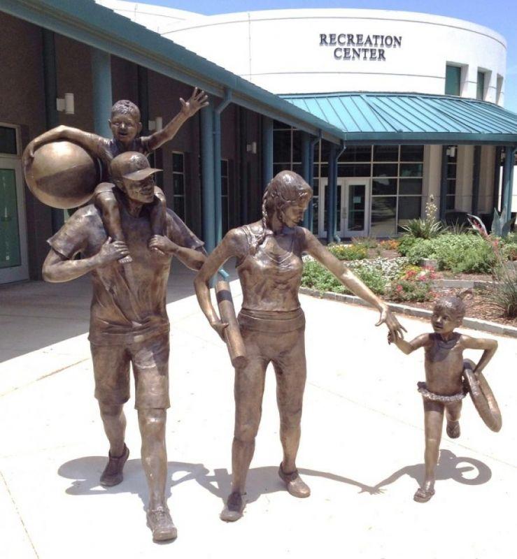 Памятники, символизирующие семейные ценности