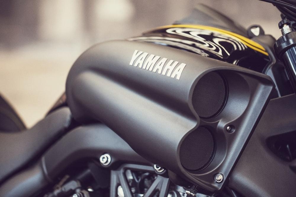 Пауэр-круизер Yamaha VMAX 2016