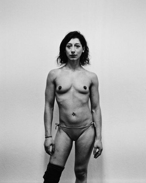 Участницы подпольного бойцовского клуба для женщин на востоке Берлина