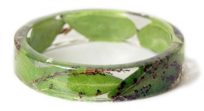 Браслеты с растениями внутри