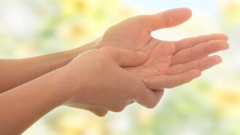 Хитрости, которые помогут справиться с легкими недомоганиями