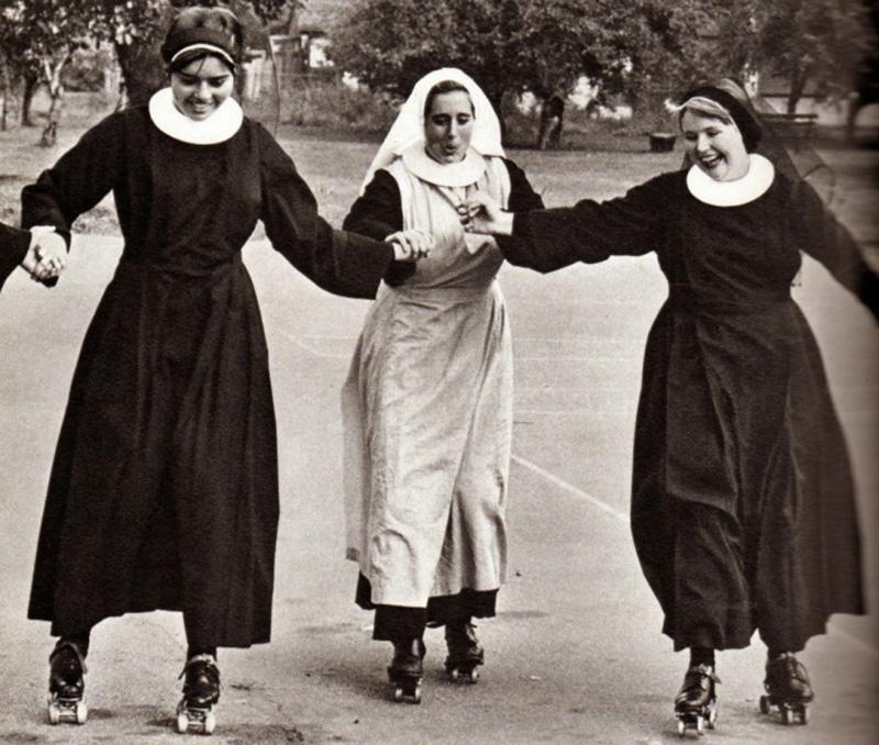 Как развлекались французские монашки в ХХ веке