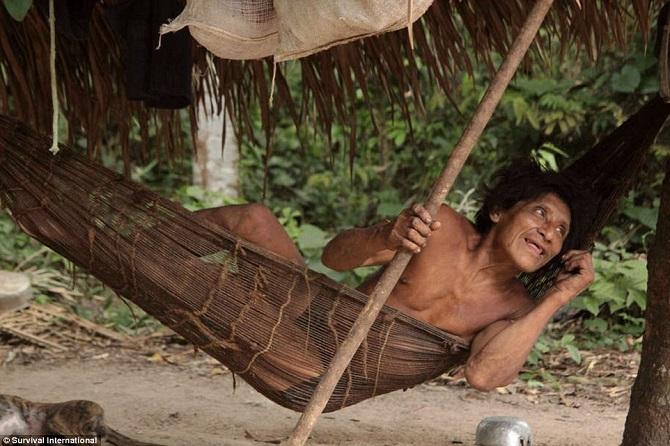 Знакомство с племенем Ава из Амазонии