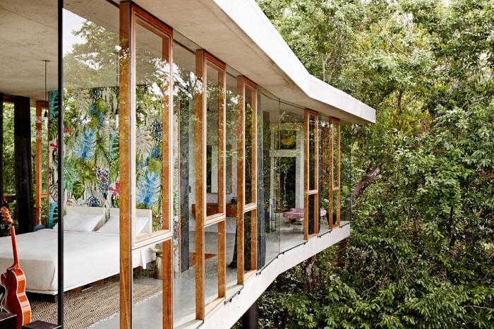 Роскошный дом в тропическом лесу