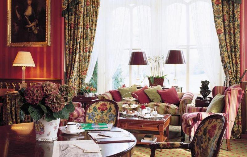 Замок-отель Дромоленд в Ирландии