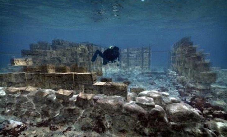 Древние постройки, спрятанные на дне моря