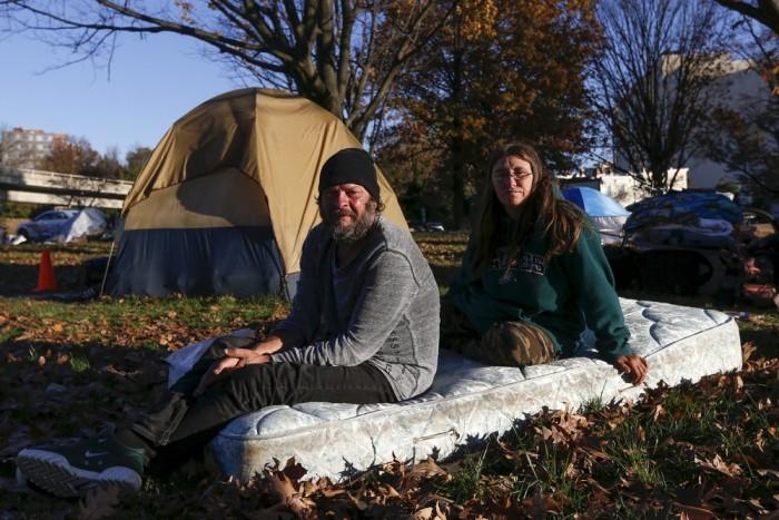 Палаточный городок Надежда для бездомных в США