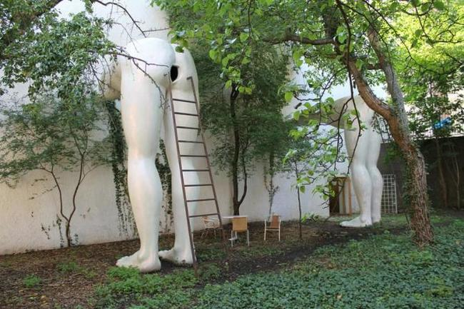 Самые странные и необычные статуи со всего мира