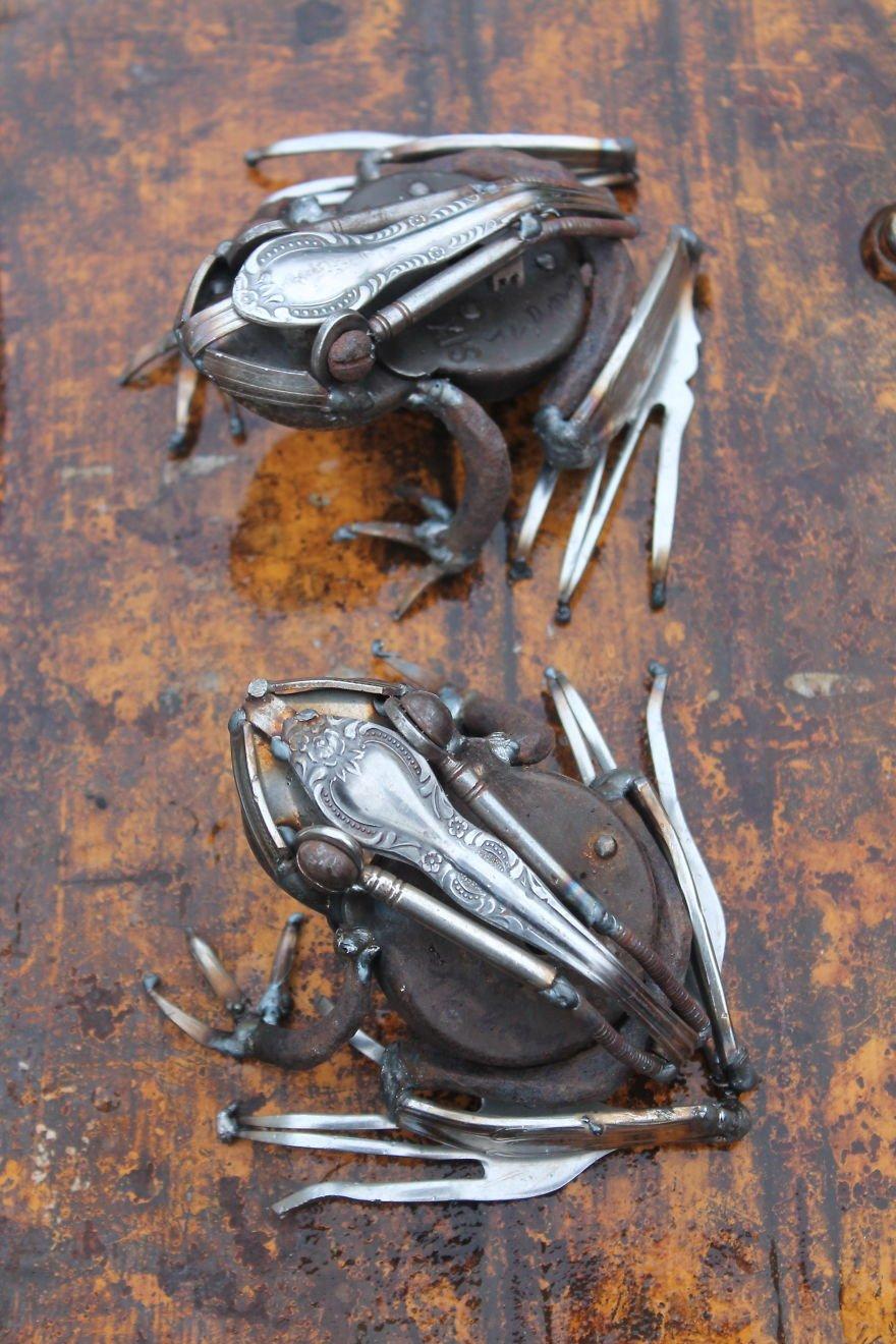 Реалистичные скульптуры животных и насекомых из металла
