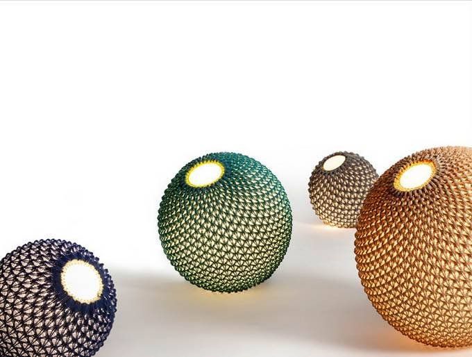 Необычные вязанные светильники