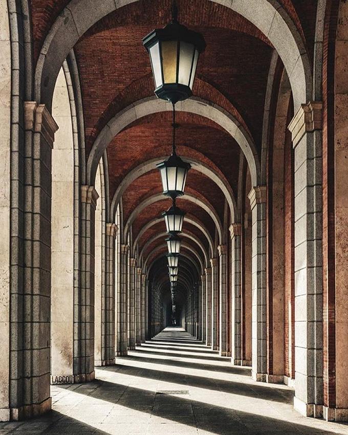 Зрелищные симметричные фотографии
