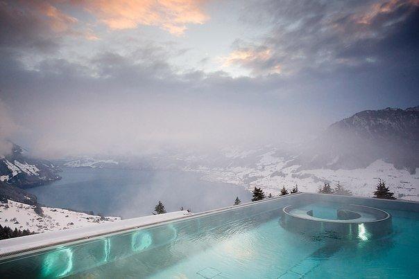 Уютные и горячие зимние бассейны