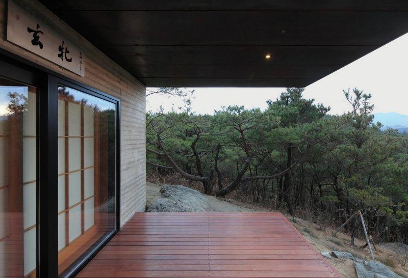 Дом Hyunam, врезанный в гору в Южной Корее