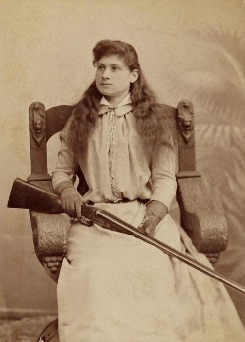 Энни Оукли - самая меткая женщина-стрелок в мире
