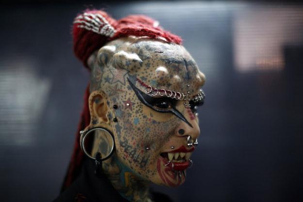 Невероятные боди-модификации на фестивале татуировки