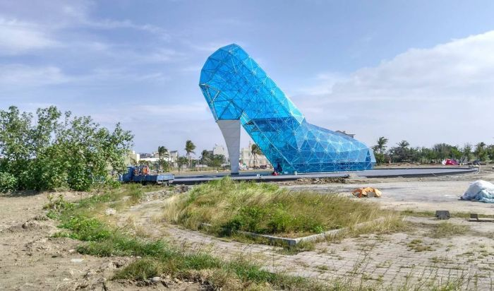 На Тайване построили церковь в виде стеклянной женской туфельки