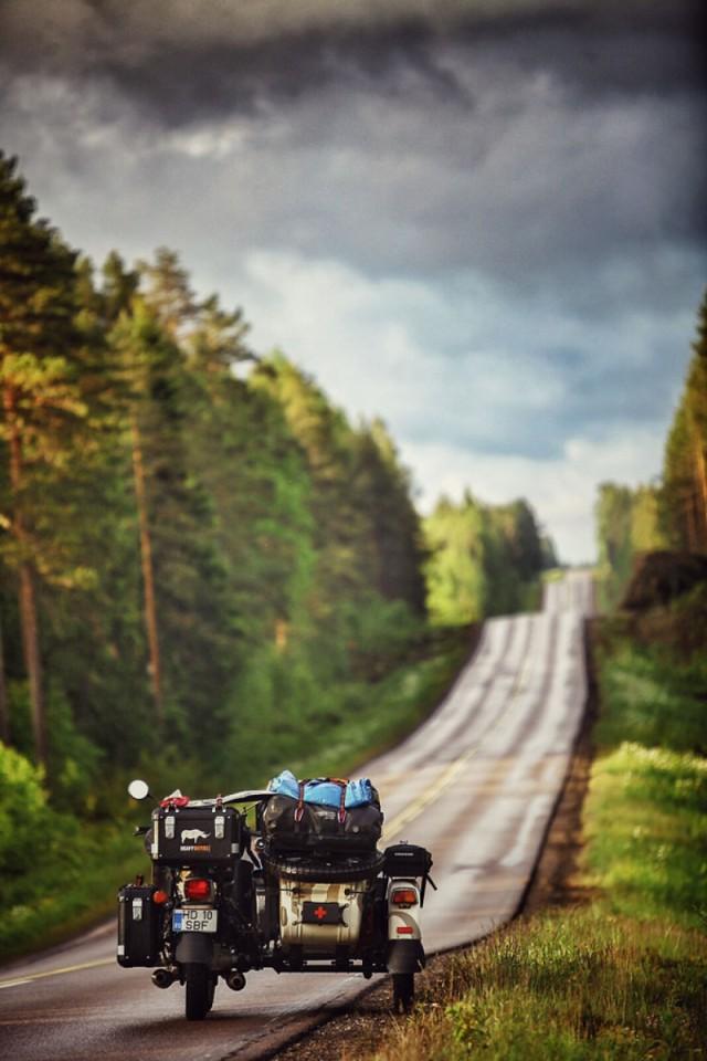 Семья объехала всю Европу на мотоцикле