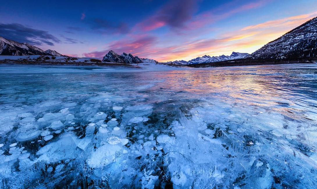 10 красивейших замерзших озер планеты