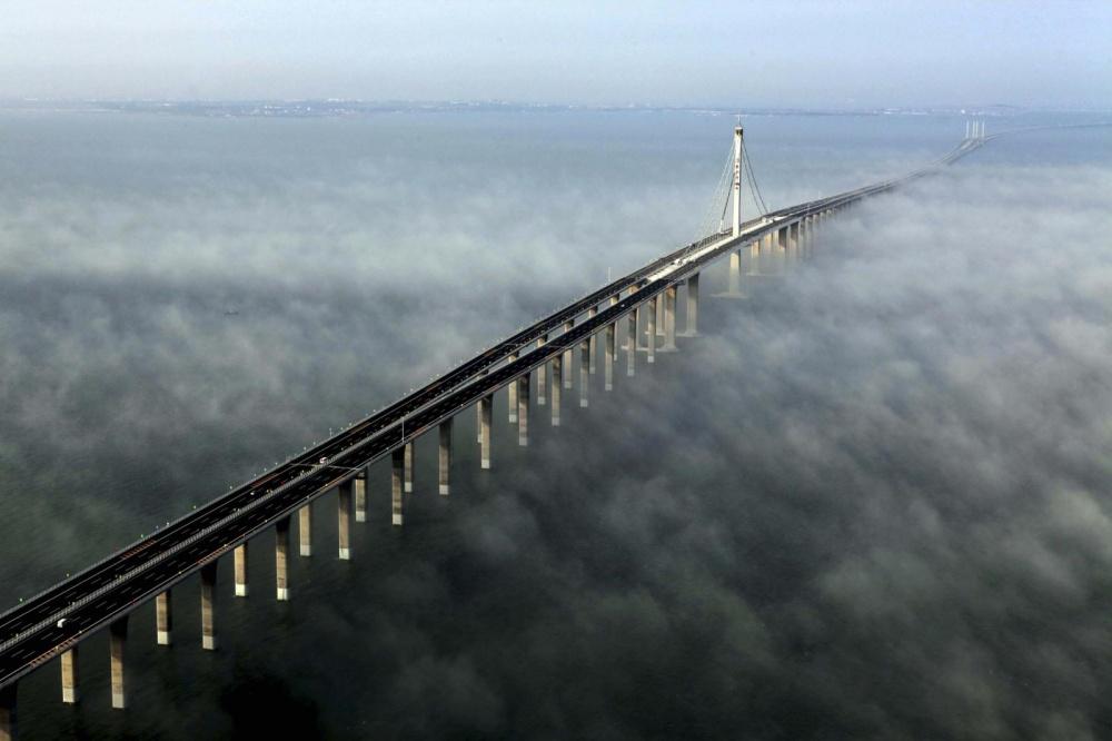 20 сказочных мостов, которые словно ведут в другие измерения