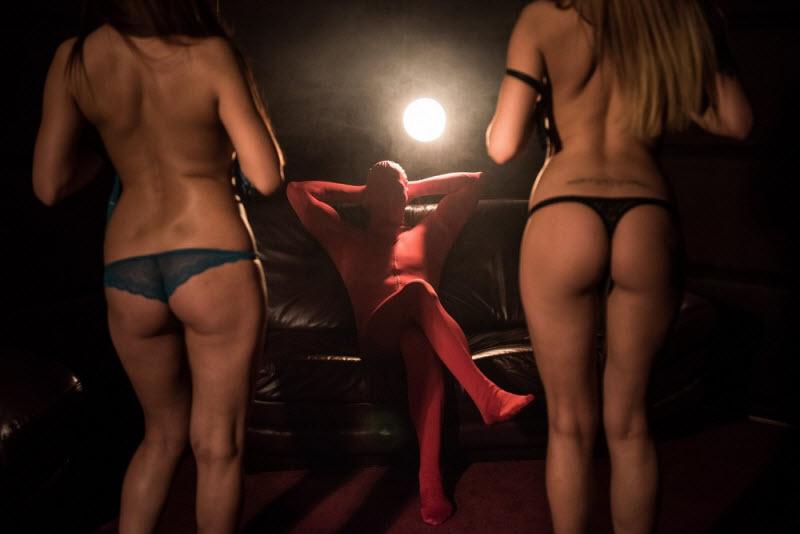 Фотоэкскурсия в стриптиз-клуб Virgins