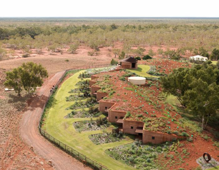 12 резиденций для пастухов, скрытых в земляной насыпи
