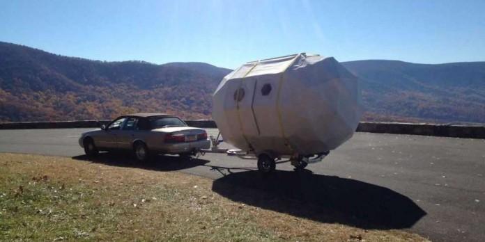 Мобильный домик на колесах