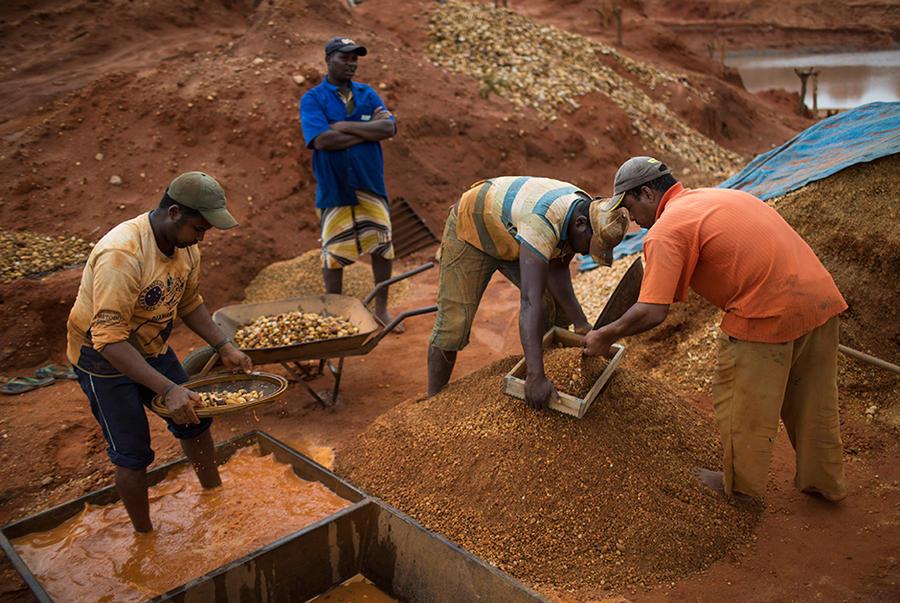 Добытчики алмазов в Бразилии