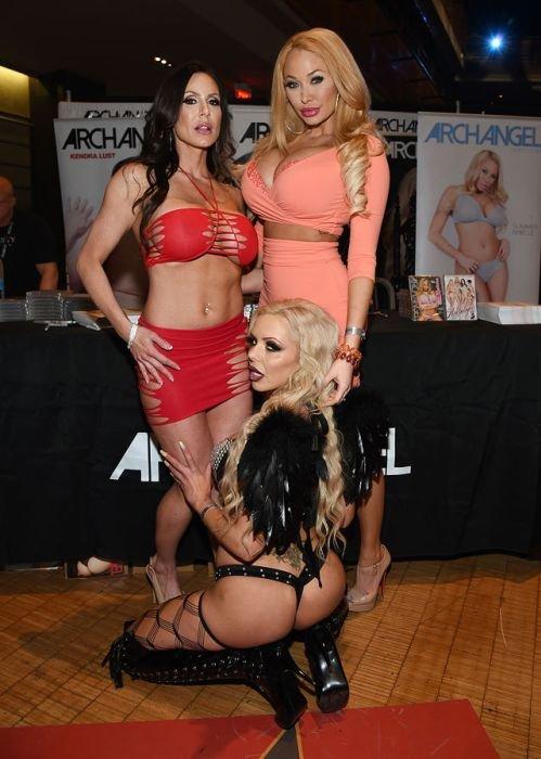 Как прошла церемония вручения премии AVN Awards (Порно-Оскар-2016) в Лас-Вегасе