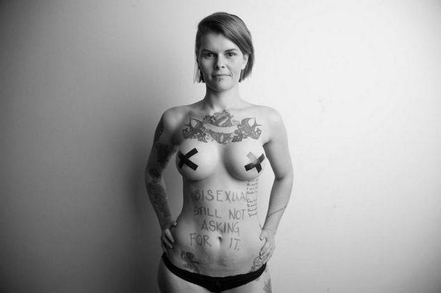Серия откровенных снимков, против сексуального насилия