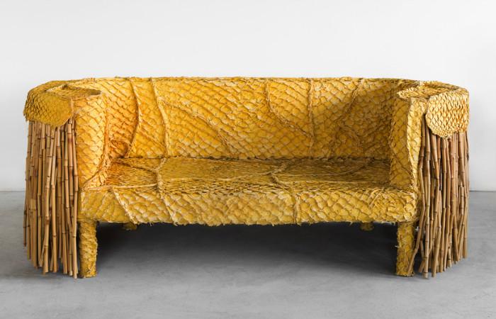 Необычная мебель из рыбьей шкуры, дублёнок и старых стульев