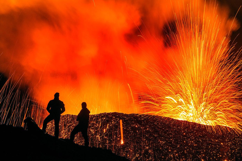 Щитовой вулкан Питон-де-ла-Фурнез или врата ада во Франции