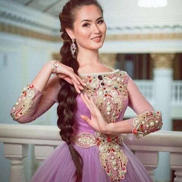 Финалистки казахстанского конкурса красоты Қазақ аруы-2016
