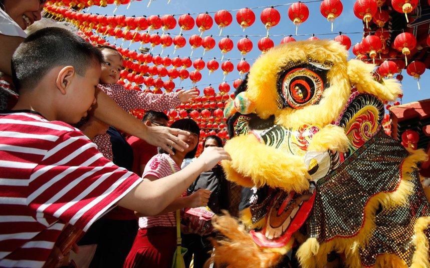 Яркое празднование Китайского Нового года во всём мире