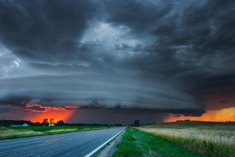 В погоне за бурями и ураганами