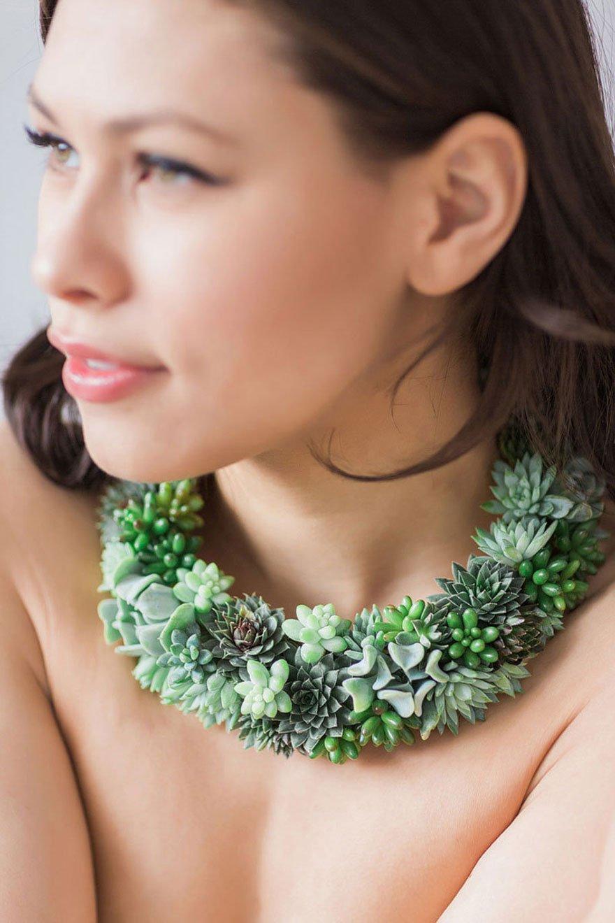 Живые украшения из цветов, которые можно пересадить в горшок