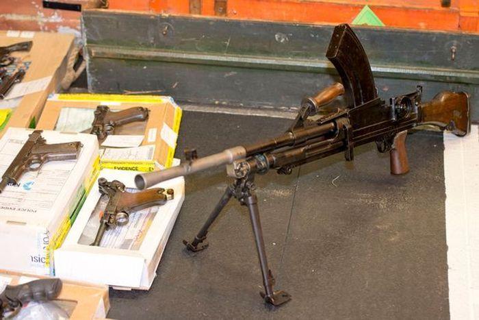В доме умершего коллекционера оружия нашли внушительный боевой арсенал
