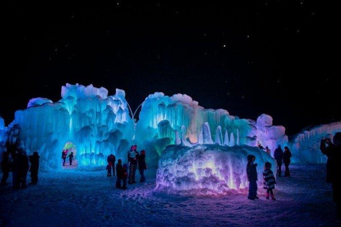 Сказочные ледяные замки от компании Ice Castles