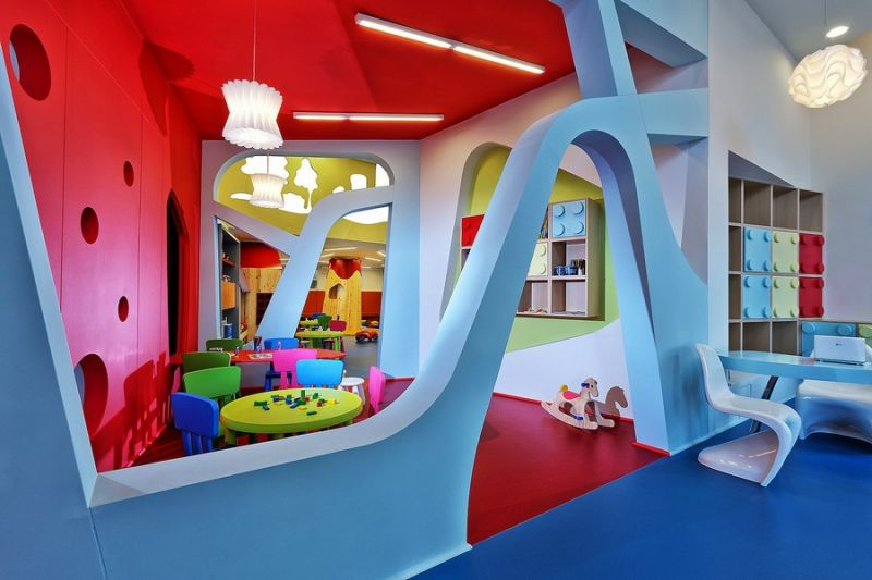 Детский сад в Греции, где интерьер как часть игры