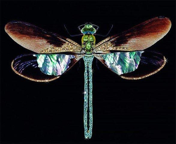 Яркие и красивые скульптуры животных и насекомых