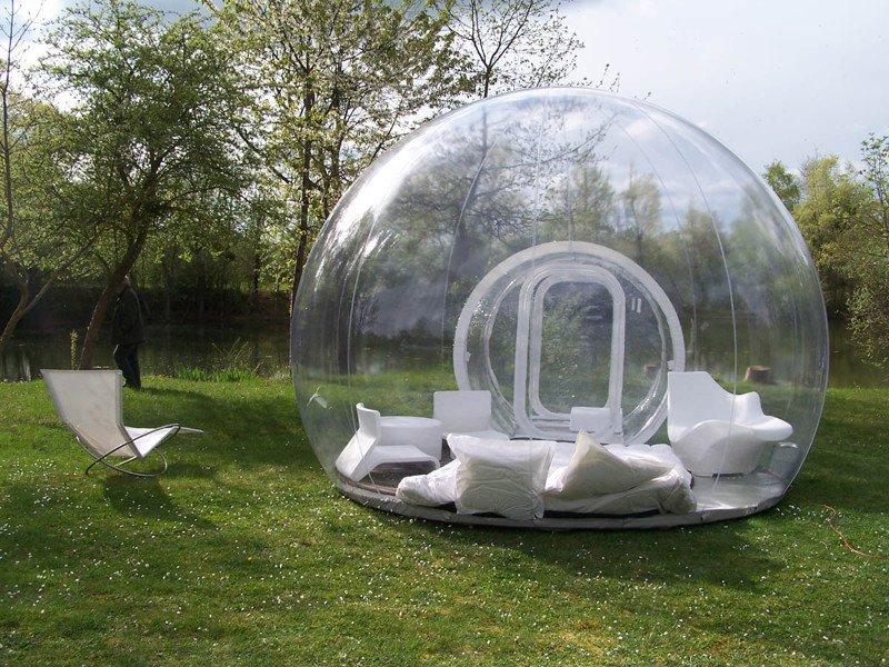 В прозрачных пузырях и под открытым небом
