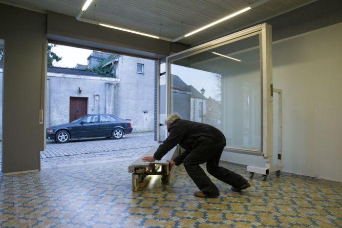 Необычный гараж бельгийца из продуктового магазина